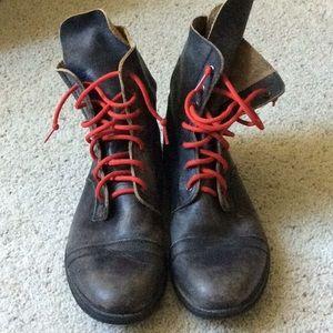 Men's bed/stu boots. Size 11.